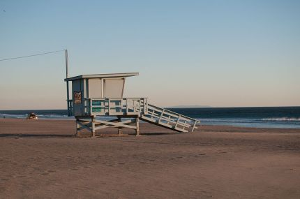 point_dume_beach_in_winter_with_life_guard_tower_los_angeles_california