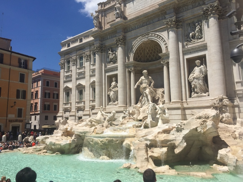 trevi fountain wide